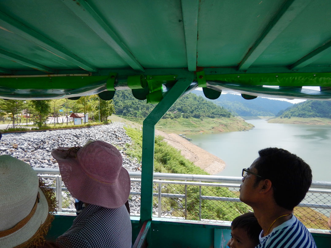 Diga di Nakhon Nayok